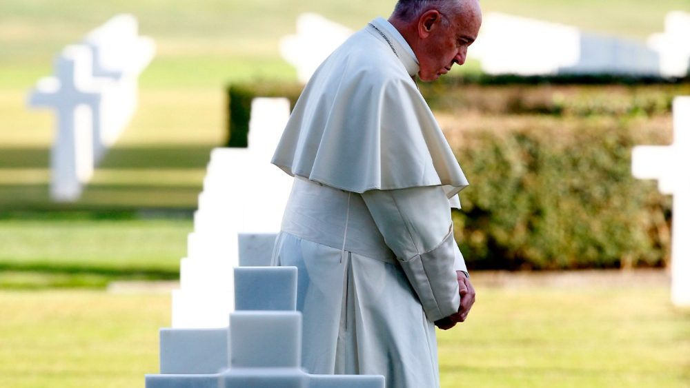 italy-pope-us-vatican-cemetery-1509635057399