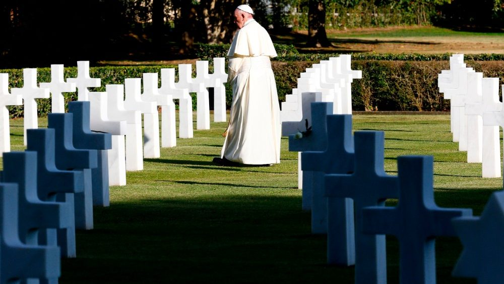 italy-pope-us-vatican-cemetery-1509635059833
