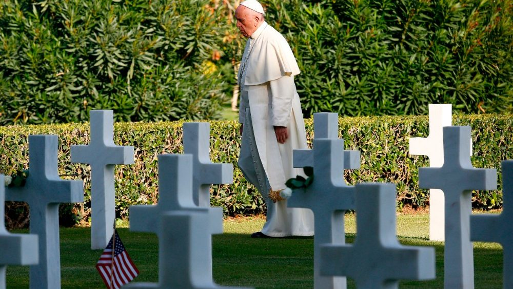 italy-pope-us-vatican-cemetery-1509635640489