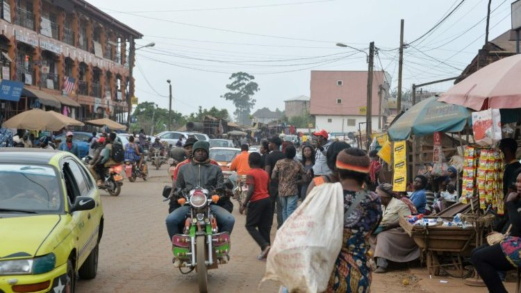 Food market in downtown Bamenda, a city in the English speaking area
