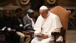 Pope Francis prays for peace in South Sudan and the DRC in November 2017
