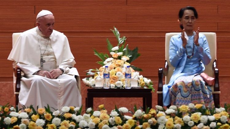 Pope Francis seated next to Myanmar's civilian leader Aung San Suu Kyi.