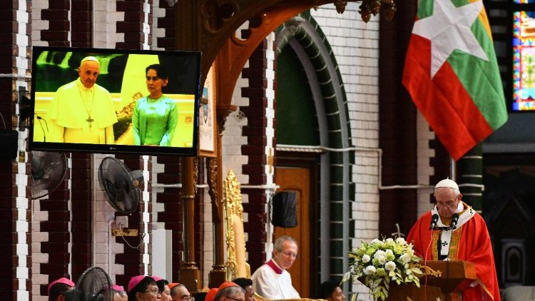 Pope Francis celebrates Mass for young people