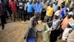 South Sudanese fleeing violence in a camp for IDPs