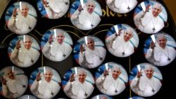 Pins of Pope Francis mark his apostolic visit to Chile