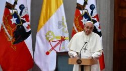 Pope to Chilean Authorities: Democracy and the ability to listen