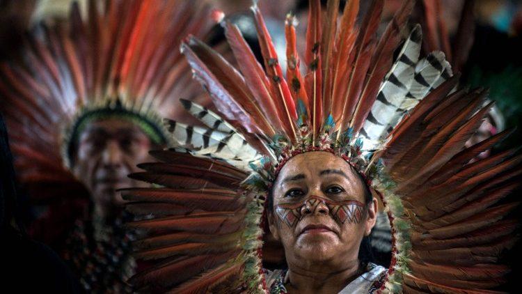 Papa Francisco encontra os povos da Amazônia