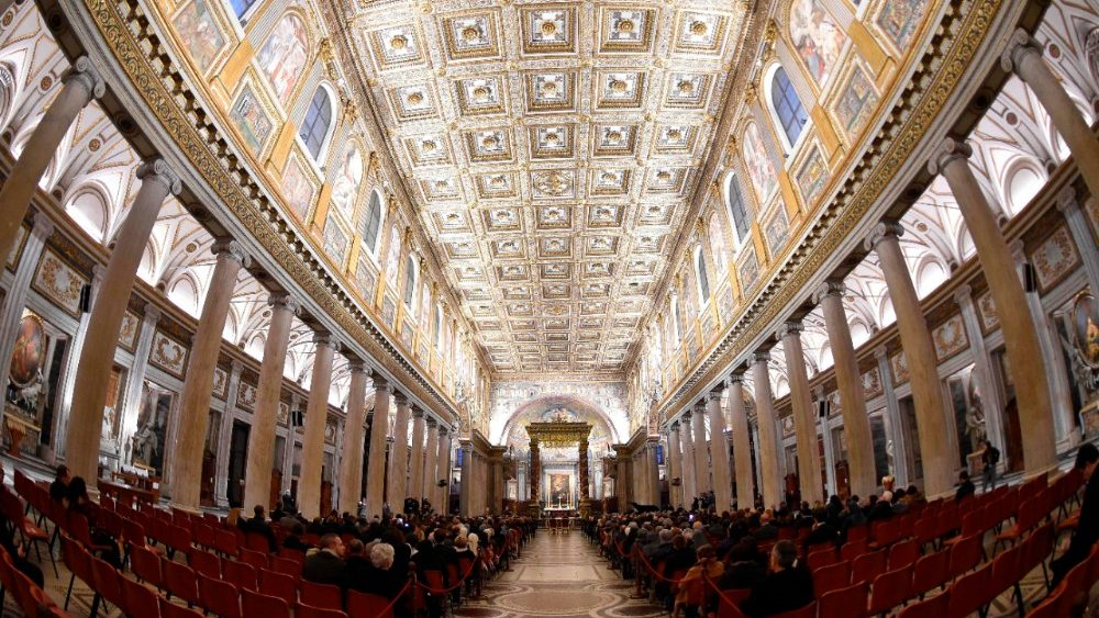 italy-vatican-church-lights-royals-1516379485152.jpg