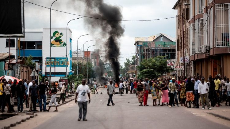 Protesters in Kinshasa call for the President of the DRC to step down