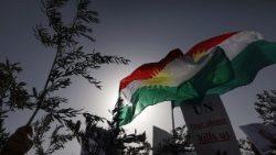Syrian Kurd protesters outside of UN office in the Iraqi city of Arbil