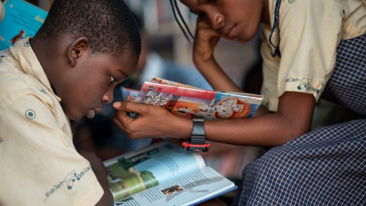 Nigerian children in a school library.