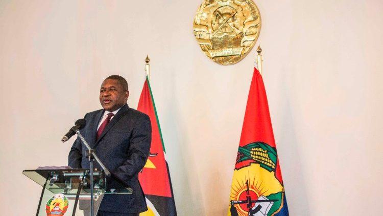 Президент Республики Мозамбик Филипи Жасинту Ньюси