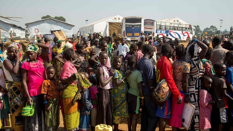Refugees from the DRC arrive in Uganda