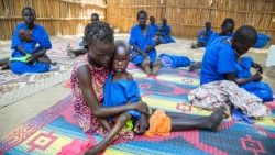 Food aid given to victims of conflict in South Sudan.