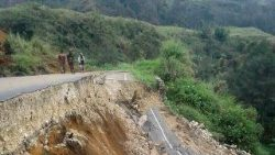 Papua New Guinea suffers from earthquake