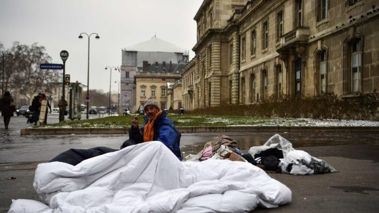 france-weather-snow-homelessness-1519906980951.jpg