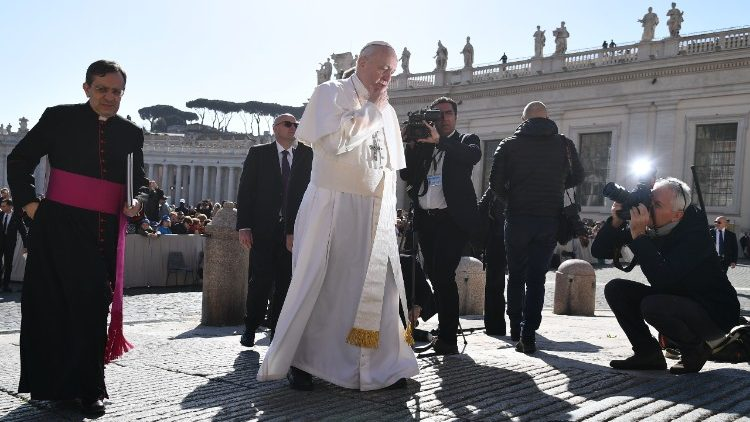 vatican-pope-audience-1521021782952.jpg