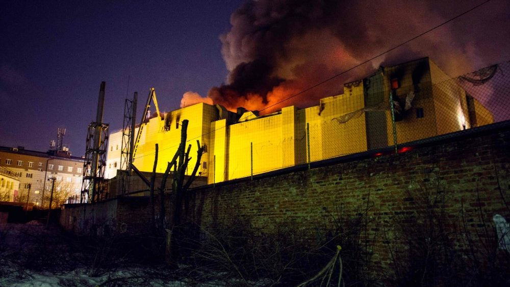 topshot-russia-fire-accident-1522065794520.jpg