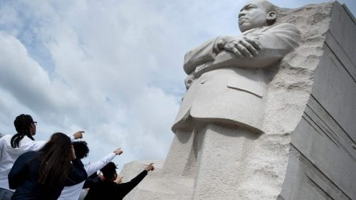 Pope Francis upholds Martin Luther King's nonviolent legacy
