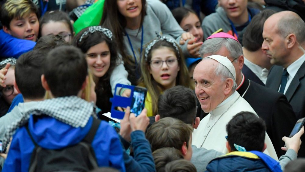 vatican-pope-audience-1523101083924.jpg