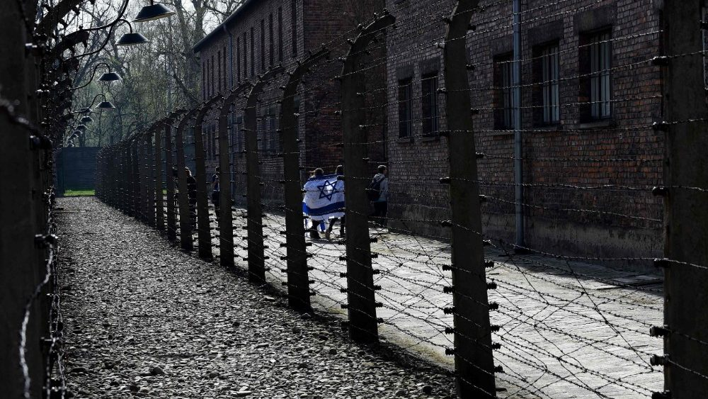 topshot-poland-wwii-holocaust-history-1523539991267.jpg