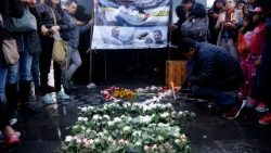 Journalists in Ecuador at a vigil for their murdered colleagues