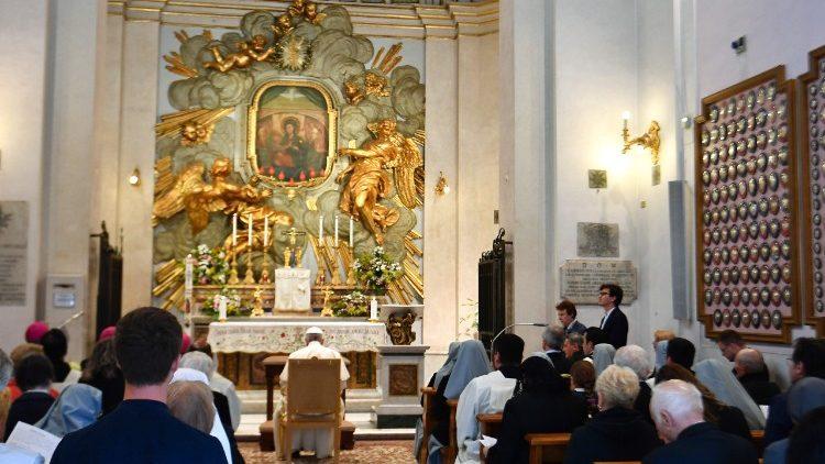 ITALY-RELIGION-POPE-ROSARY-MAY