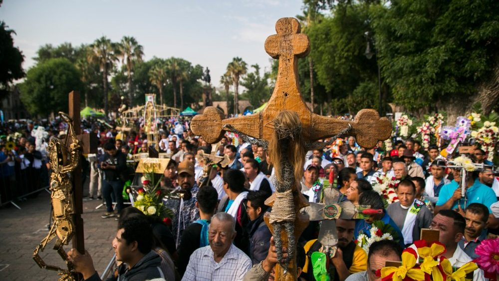 mexico-religion-feast-cross-1525363381960.jpg