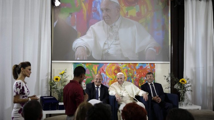 Visita do Papa à sede vaticana de Scholas Occurrentes