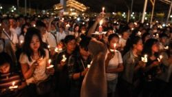 indonesia-attacks-church-1526259807532.jpg