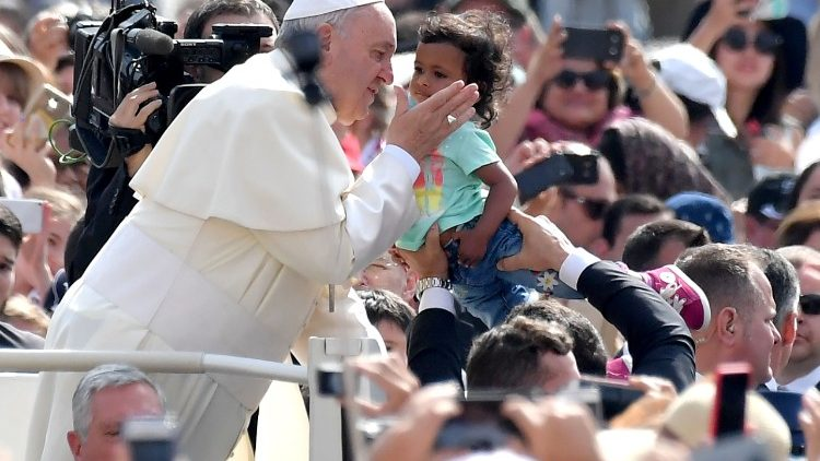 vatican-pope-audience-religion-1528273950897.jpg