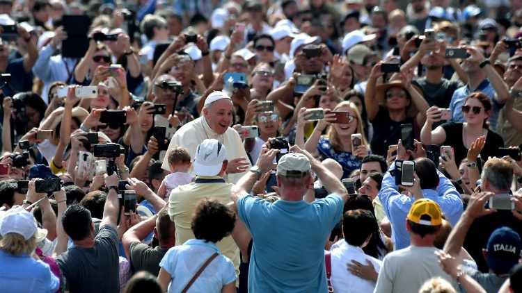 vatican-pope-audience-religion-1528273954234.jpg