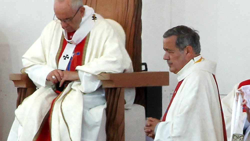 files-chile-vatican-sex-abuse-pope-barros-1528727864033.jpg
