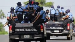 Nicaraguan troops surround opposition stronghold