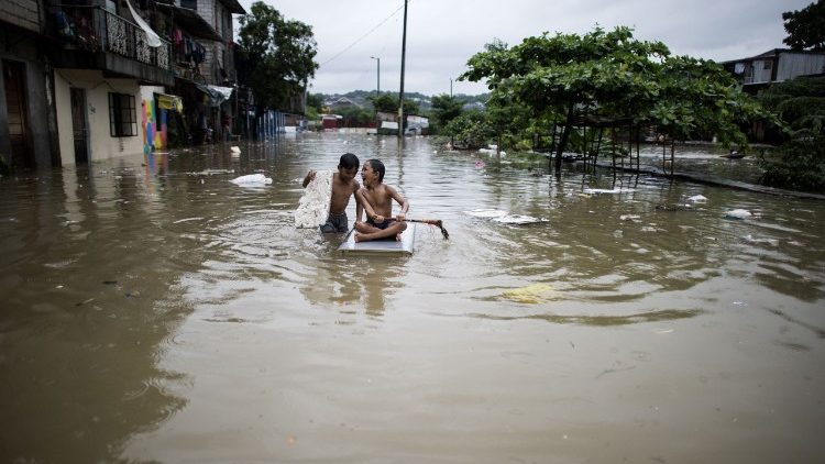 philippines-weather-flood-1532251574332.jpg