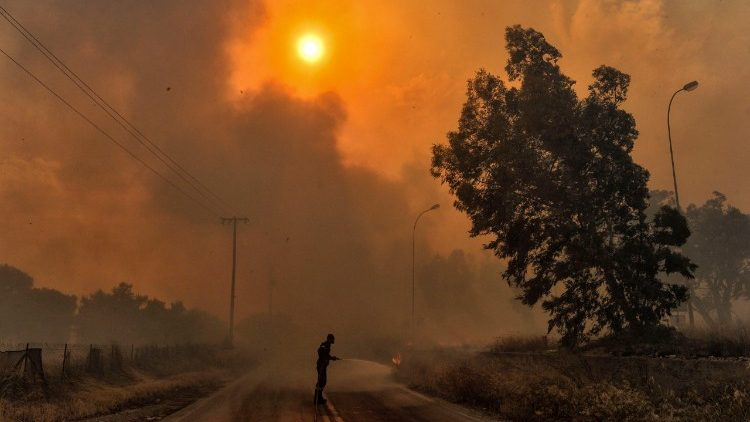 greece-fire-1532384866590.jpg