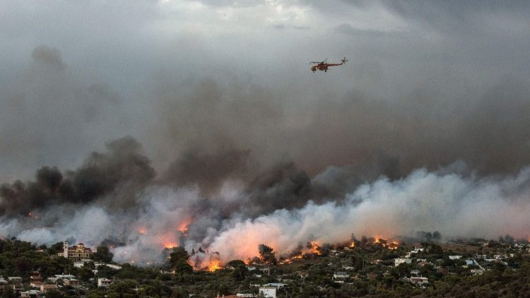 greece-fire-1532389976366.jpg