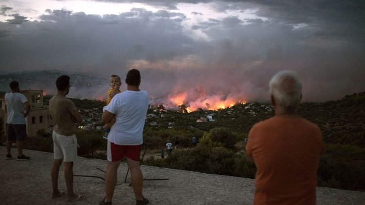 greece-fire-1532391767131.jpg