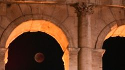 italy-science-astronomy-eclipse-moon-1532729663059.jpg