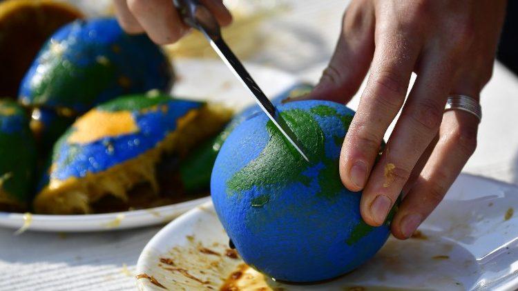 O Dia de Sobrecarga da Terra se calcula considerando o consumo dos recursos do planeta