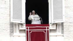 Pope's Angelus of 15 August 2018