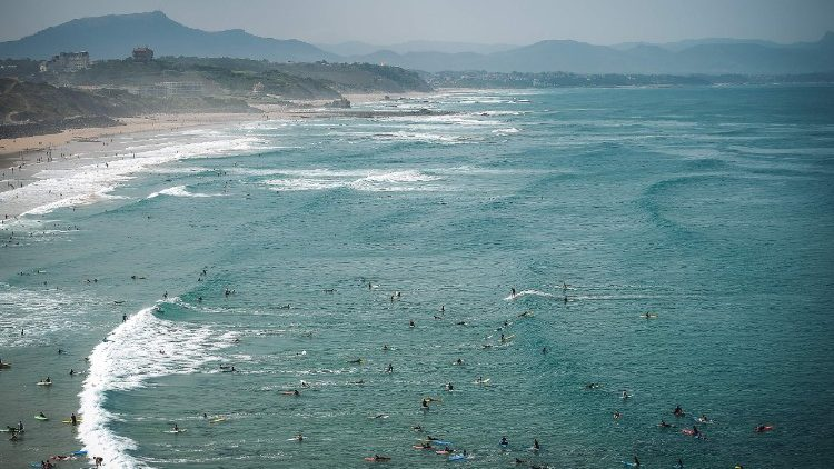 SURF-FRANCE-WATERSPORT