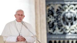 vatican-pope-audience-religion-1536745016287.jpg