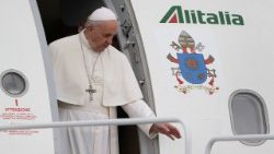 Pope Francis arrives in Lithuania
