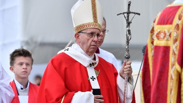 estonia-religion-pope-1537881732331.jpg