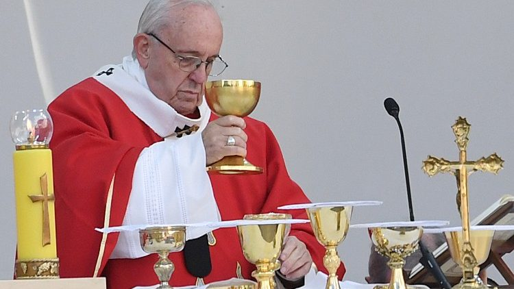 estonia-religion-pope-1537885331052.jpg