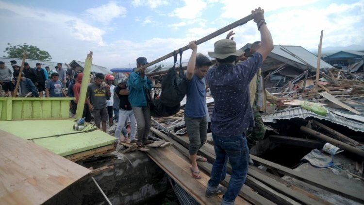 Rescuer workers in Palu, on Sulawesi Island
