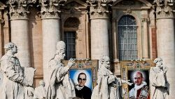VATICAN-SALVADOR-PAUL-VI-SAINTS