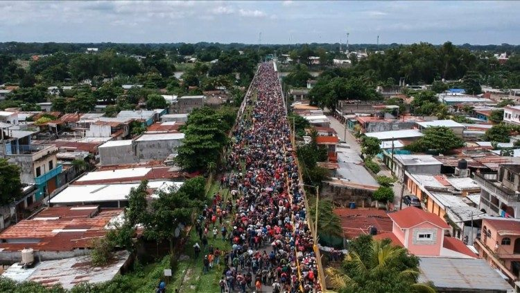 Aerial view of migrant caravan heading to the US near the Guatemala-Mexico border
