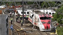 TAIWAN-RAIL-ACCIDENT